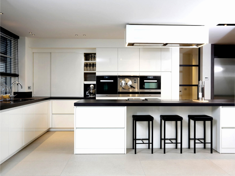 Keuken Spuiten Kosten : Keuken meubel spuiterij